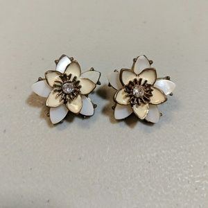 Jewelry - Off White Post Floral Earrings